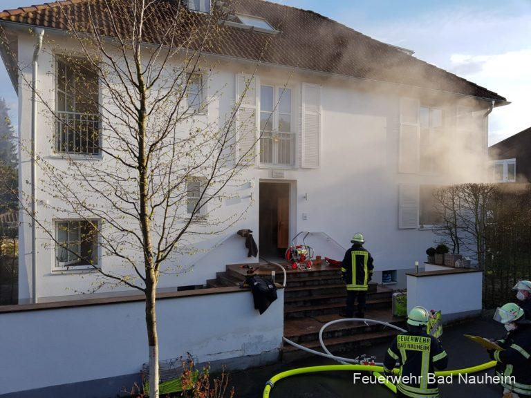 Erschwerte Brandbekämpfung in Einfamilienhaus